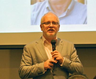 レイ・ポインター氏は現在、マーケティングリサーチテクノロジーの<br />     Vision Criticalが主催するVision Critical Universityのディレクターを務めている