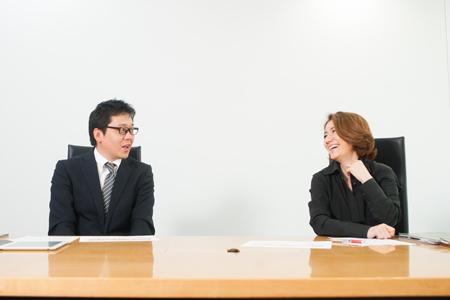 写真左:松矢順一氏、右:日高千絵氏