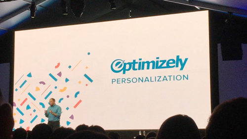 Optimizely Personalizationを発表するダン・シロカ― CEO