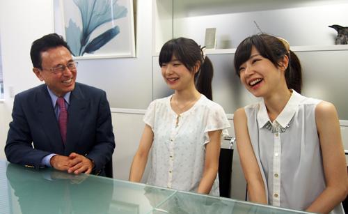 スタッフ・アップ・グループ代表取締役社長兼CEO 戸張立美氏とMIKA★RIKAのお二人