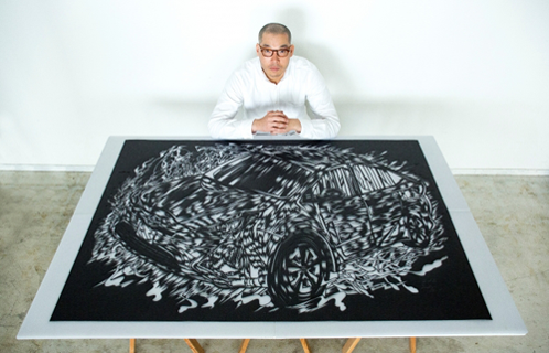 「Inspired by car #001」に登場した、切り絵アーティストの尾関幹人
