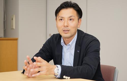 株式会社アイデム東日本事業部マネージャー岡安伸悟氏(本記事は人物画像をクリックすると裏話を聞くことができます)