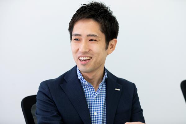 株式会社NTTドコモ コンシューマビジネス推進部 エージェントサービス 的場雄太氏