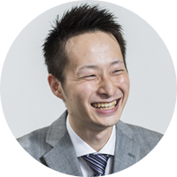 株式会社伊藤久右衛門 WEB営業部 マーケティング課 松井 涼氏2015年4月伊藤久右衛門に新卒入社。WEB営業部お客様サポート課でお客様対応を経験し、その後ECの販売部門となるWEB営業部マーケティング課に異動。現在はAmazonの運営を担当しながら、メルカリチャンネルへの取り組みにもチャレンジしている。
