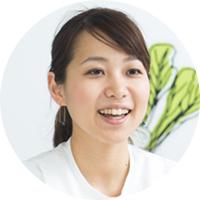オイシックス・ラ・大地株式会社 執行役員 サービス進化室 室長 菅 美沙季氏 化粧品通販会社を経て、2009年にオイシックス(当時)に入社。EC 事業部で、既存のお客様向けの販売企画を担当した後、サービス進化室にて必要量の食材とレシピがセットになったミールキット「Kit Oisix」など新たなサービスの立ち上げ、進化に従事。