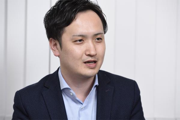 株式会社クレスト 取締役 経営管理本部長 峯拓也氏