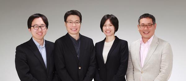 (写真左から)チャットブック HONG Eugene氏、Yang Fei氏(共同創業者)、小島舞子氏(代表取締役・創業者)、SAITO Daniel氏