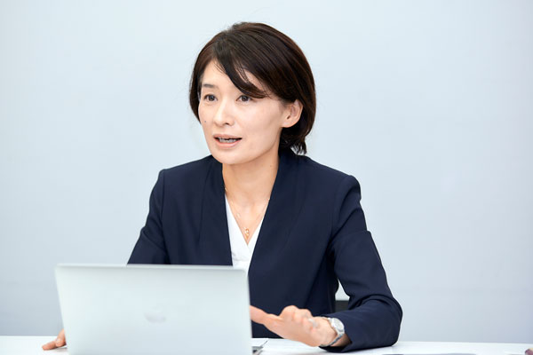 東京国際大学商学部 教授 平木 いくみ先生