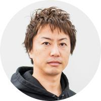 宣伝本部長 野村智寿氏<br>2004年サイバーエージェント入社。インターネット広告事業本部にて様々な業界のナショナルクライアントを担当。2011年10月に新規事業開発のため、プロデューサーに転身。2012年12月にAmebaプロモーション室室長に就任し、2014年10月に宣伝本部を立ち上げ、本部長就任。AbemaTVやAWA、ゲームなど自社事業のマーケティング・プロモーションを手がける。