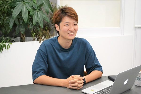 I-ne 販売本部 ECセールス部 部長の小松悠氏