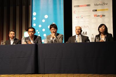 左からANA 高柳氏、日本マクドナルド 岩下氏、リクルート 友澤氏、米オーディエンス・サイエンス ジェフ・ハッシュ氏、オムニチュア 大山氏